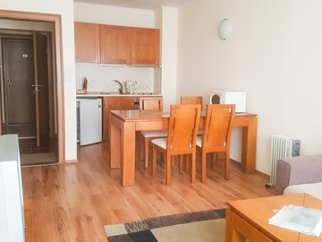 Monthly Apartment Rentals: A Large one bedroom apartment near the Gondola - CL4 3rd